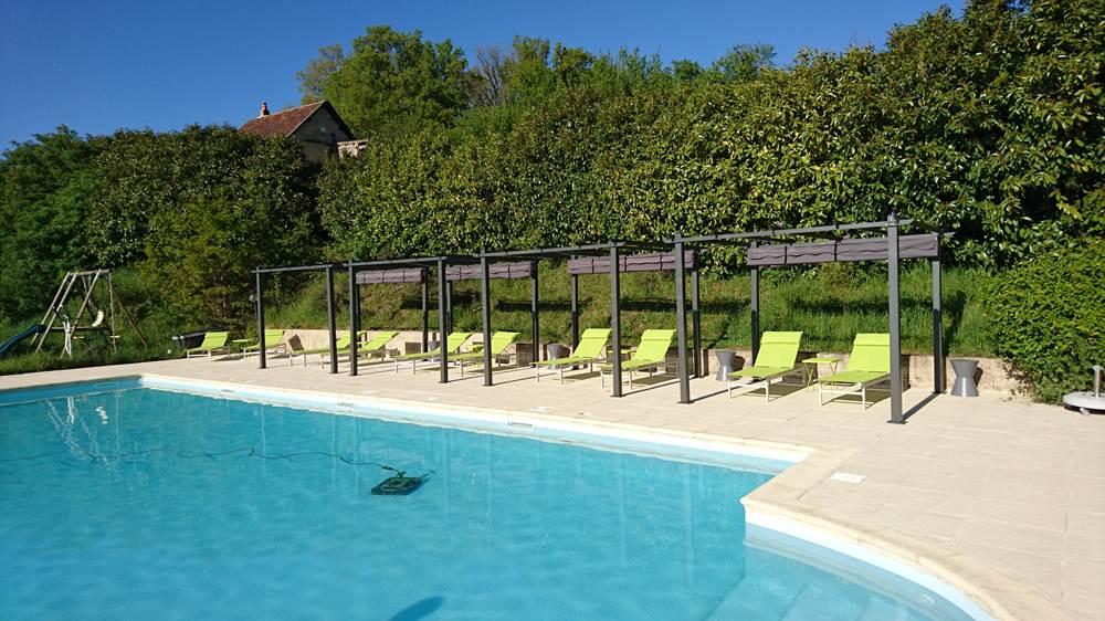 Hotel avec piscine a figeac for Capdenac piscine